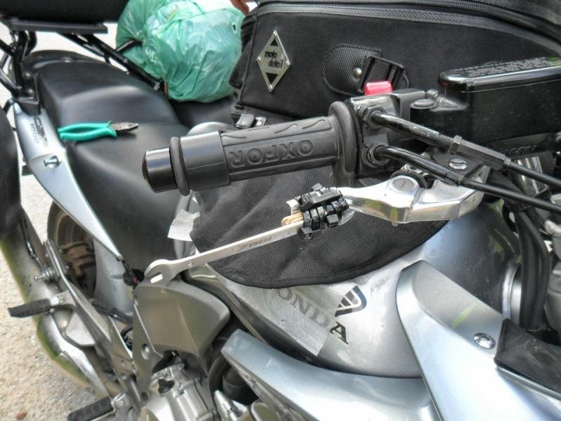 Bremsgriff und Kabelbinder