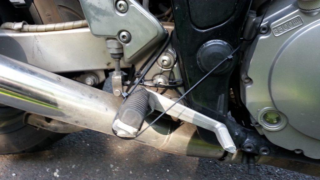 Bremshebel und Kabelbinder