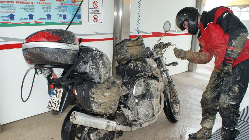 schlammiges Motorrad