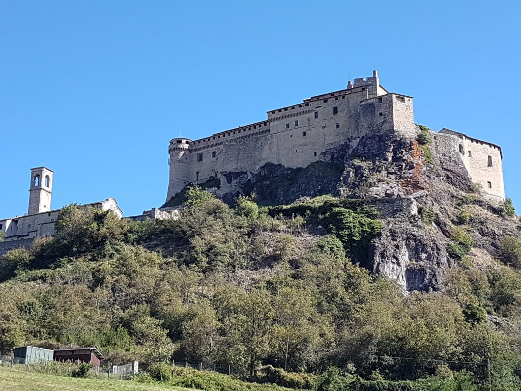 Castell bei Bardi