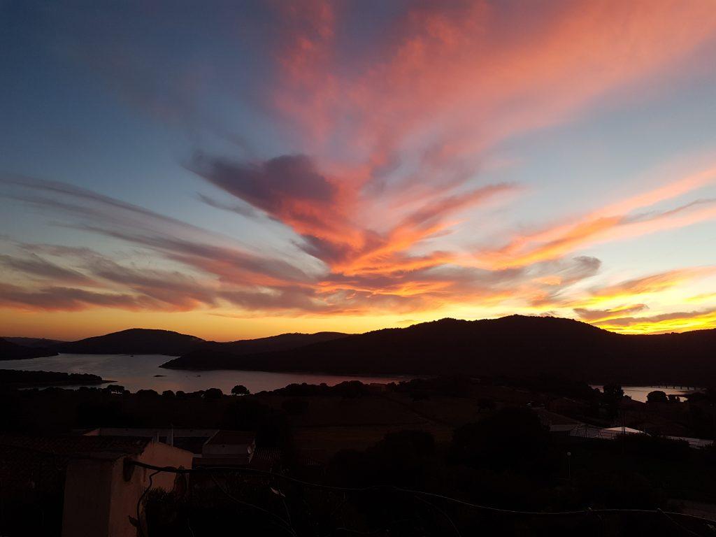 Morgenrot am Lago di Liscia