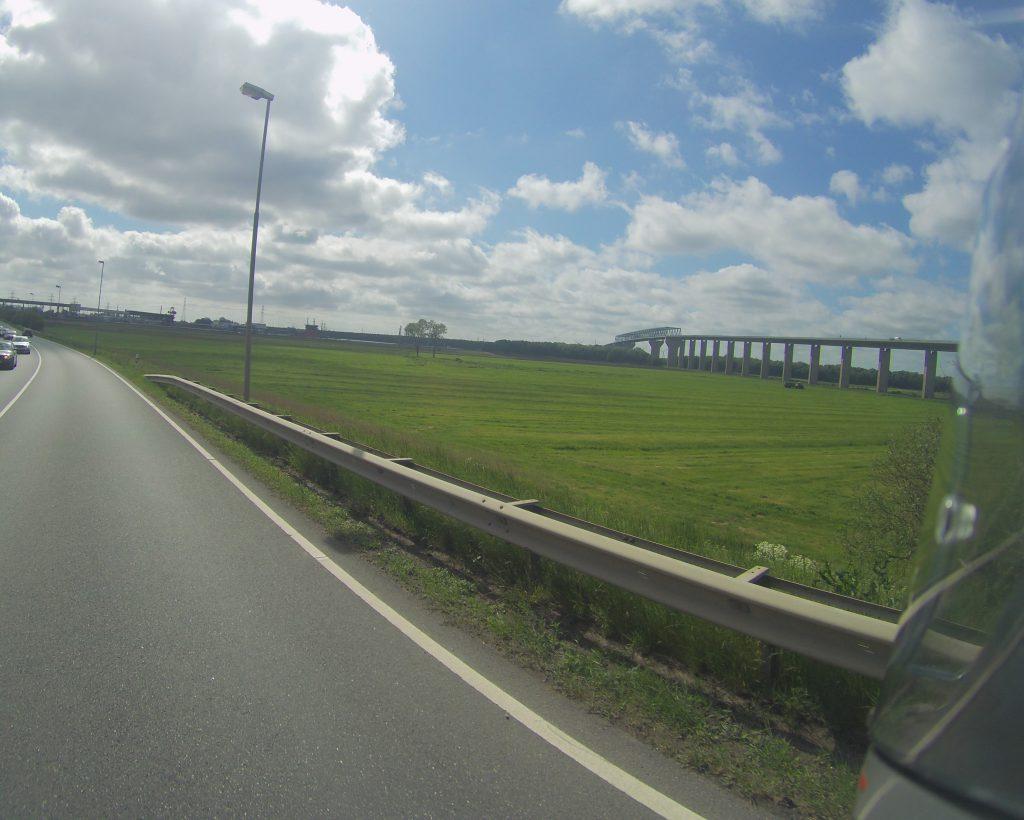 Brücke aus der Seitenperspektive