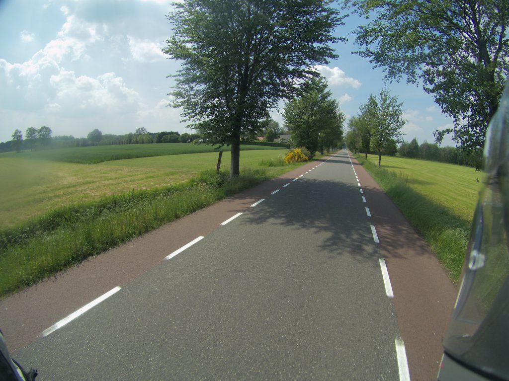 Und wieder mal perfekte Straßen