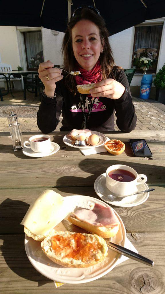 Frühstück in der Sonne - hmmm