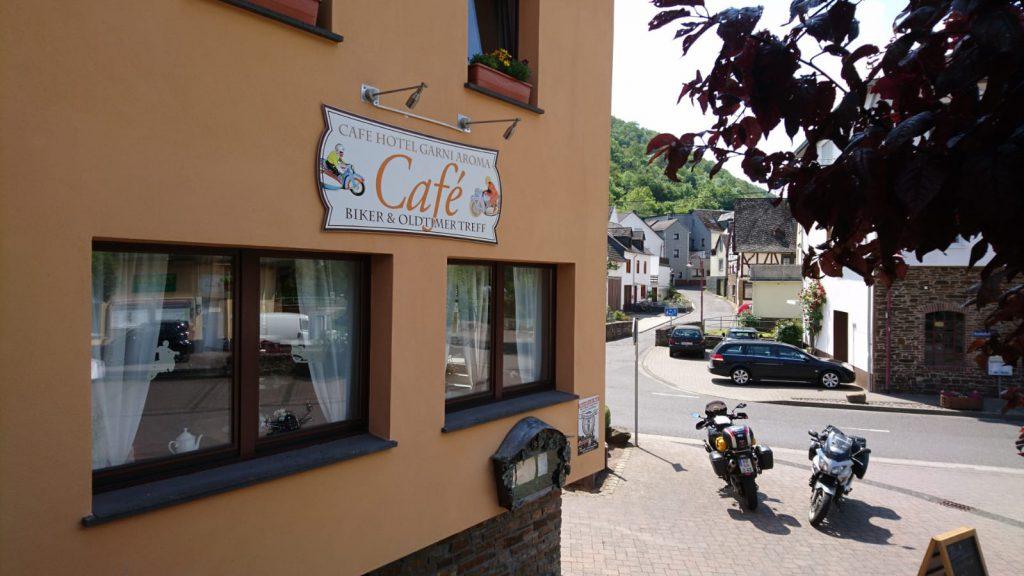 Hotel Café Aroma und 2 Bikes