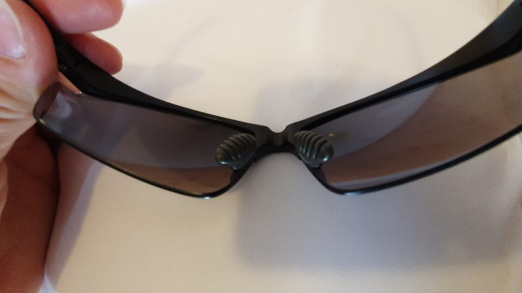 Sonnenbrille repariert