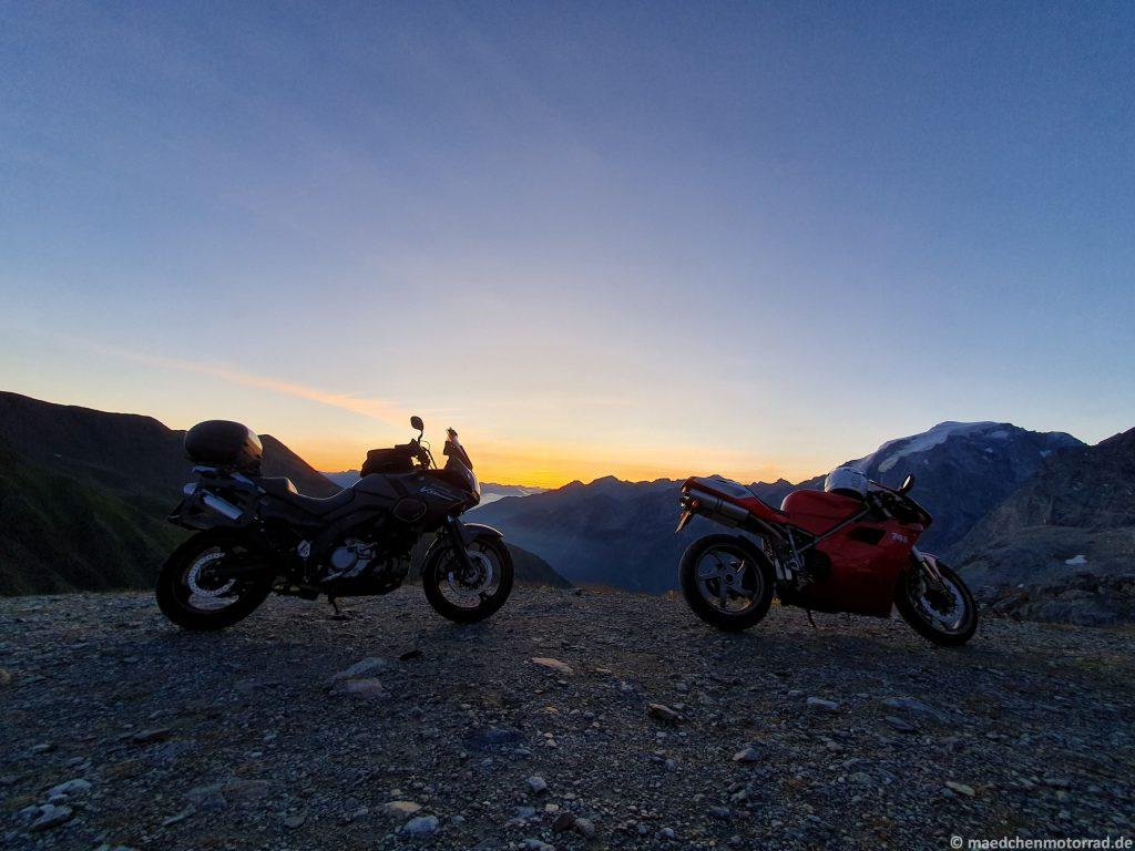 Suzuki und Ducati am Stilfser Joch