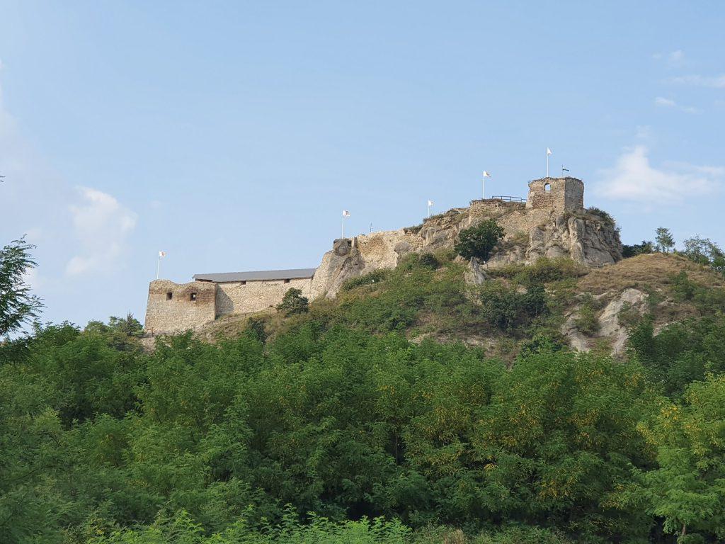 Burgruine in Sirok