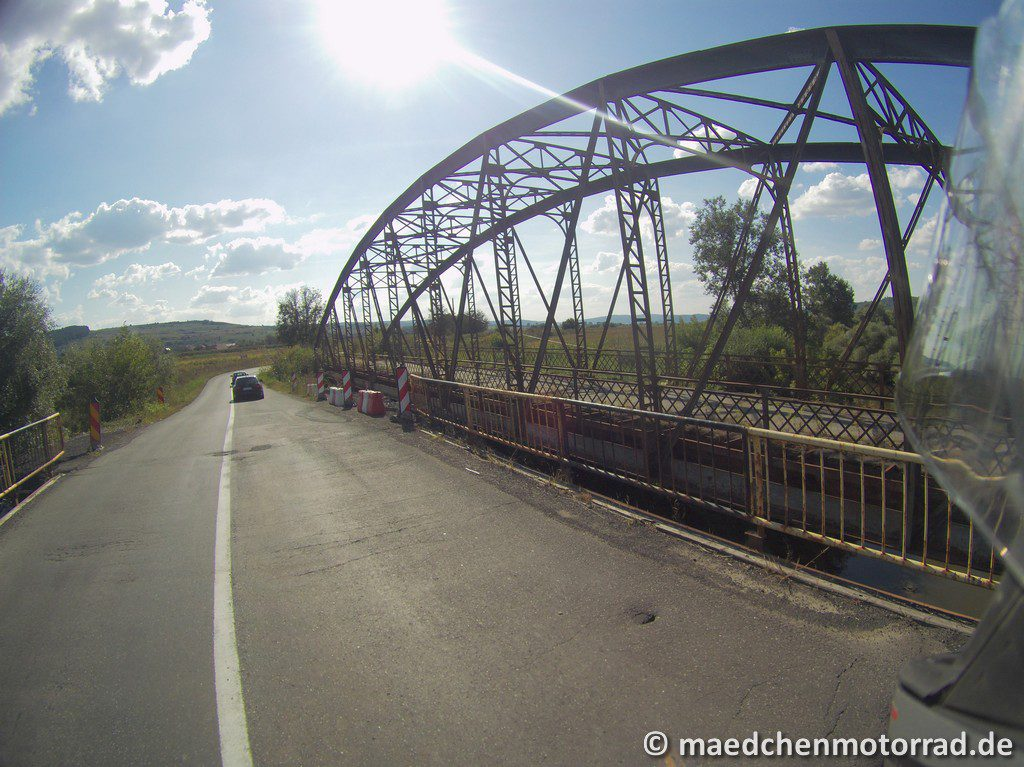 Alte und aufgegebene Eisenbahnbrücke