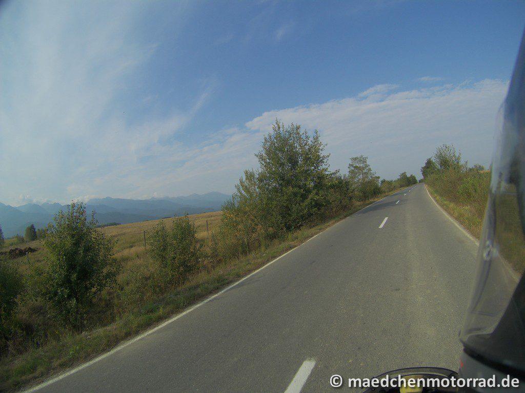 Links das Fagarasch-Gebirge