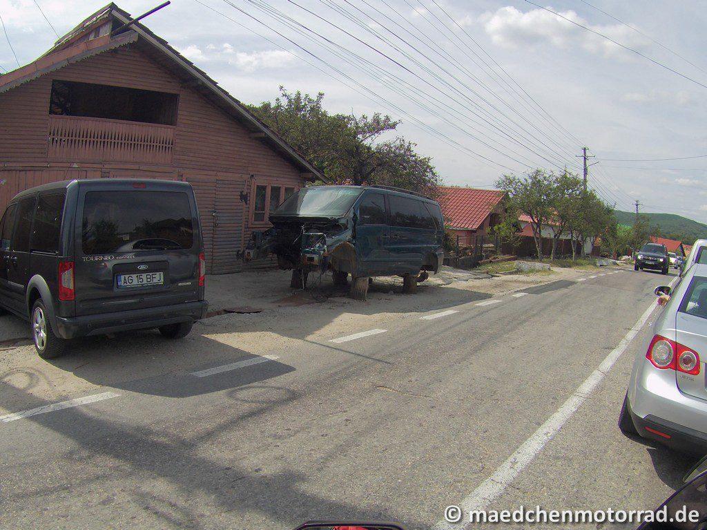 Der Van ist fast fahrbereit, etwas Öl, dann geht das schon!