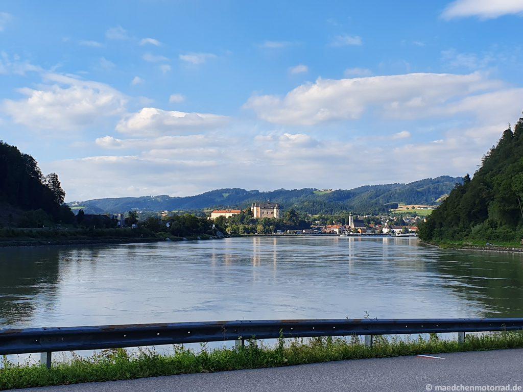 Doe Donau bei Grein