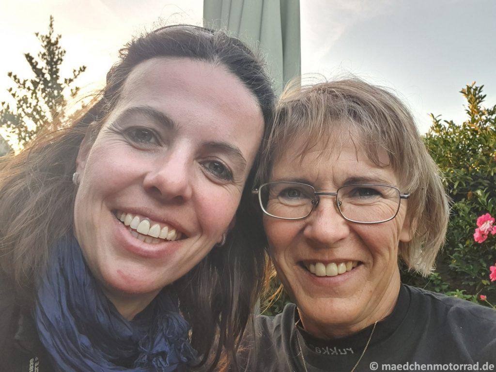 Geschafft! Selfie auf der Terrasse bei Monika
