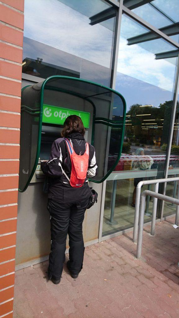 1. Geldautomat hinter der Grenze