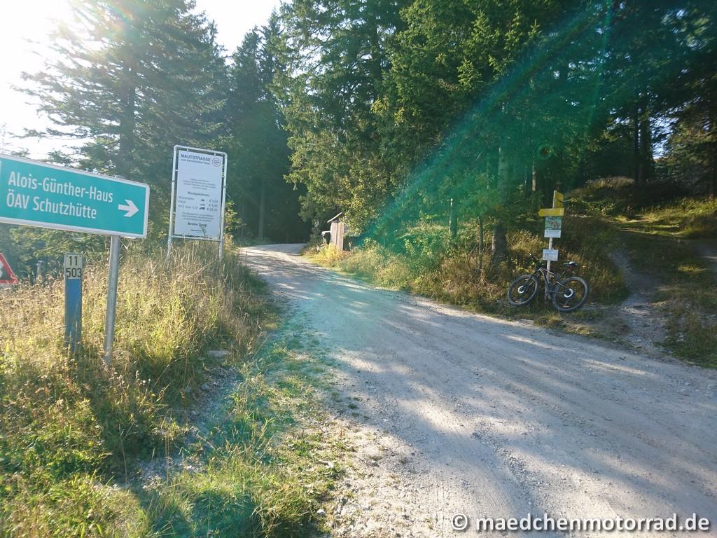 Auffahrt zur ÖSV Schutzhütte