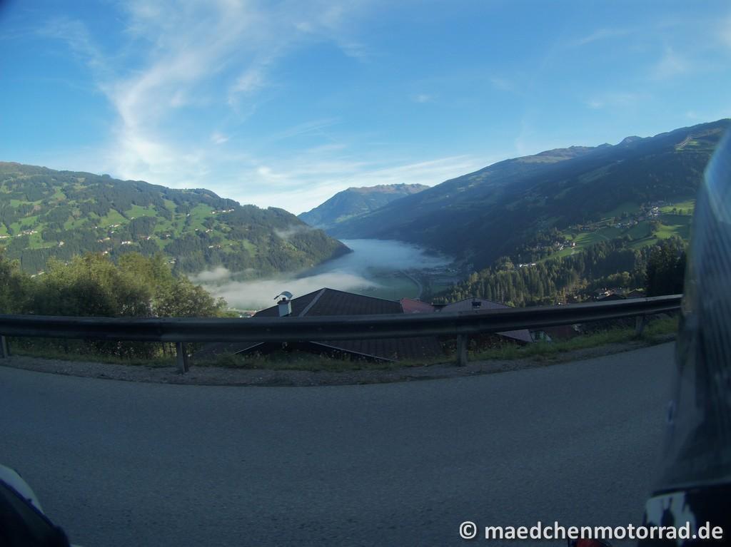 Nebel über dem Zillertal